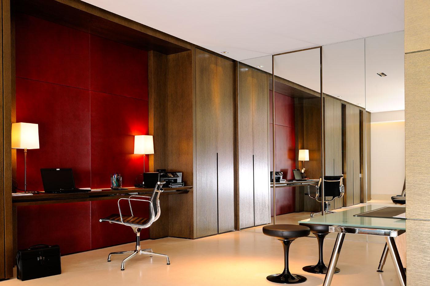 Fabrication de mobilier sur mesure menuiserie bois alu et agencement lyon for Mobilier de bureau haut de gamme