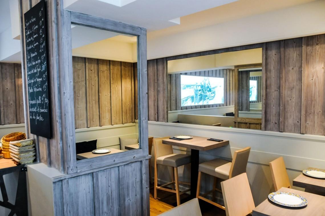 Meuble design lyon mobilier haut de gamme cuisine luxe for Meuble bureau haut de gamme